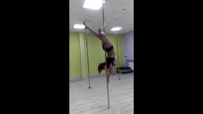 Екатерина Фокс. Пилон акробатик.