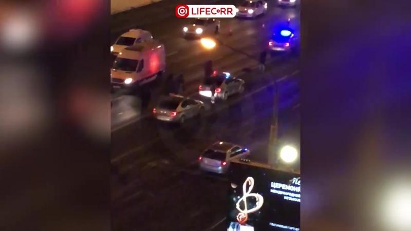 На Кутузовском проспекте мерседес насмерть сбил человека