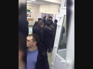 В полку ГИБДД на глазах у десятка людей, замертво упал мужчина