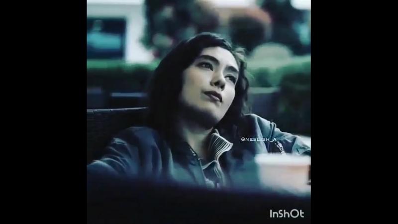 Когда человек влюбляется он зачастую чувствует себя дураком, ранимым юнцом, наивной девушкой, что потеряли свободу. Кажется ты