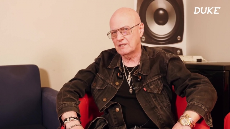Chris Slade (AC⁄DC, Timeline, The Firm) - Interview - Savigny-le-Temple 2018 - Duke TV [VOSTFR]