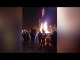 В Южно-Сахалинске елка сгорела во время праздника.