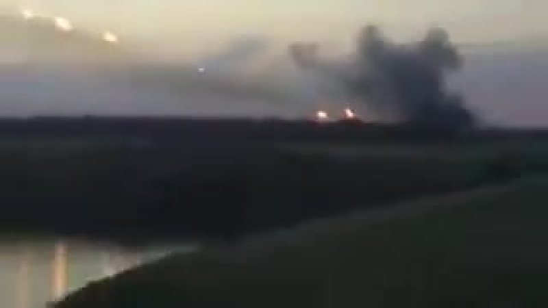 Выложенное самими же россиянами видео обстрела Украины Градами с территории Российской Федерации Две установки ведут огонь в