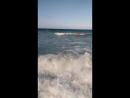 Кто прыгает по волнам, тот я