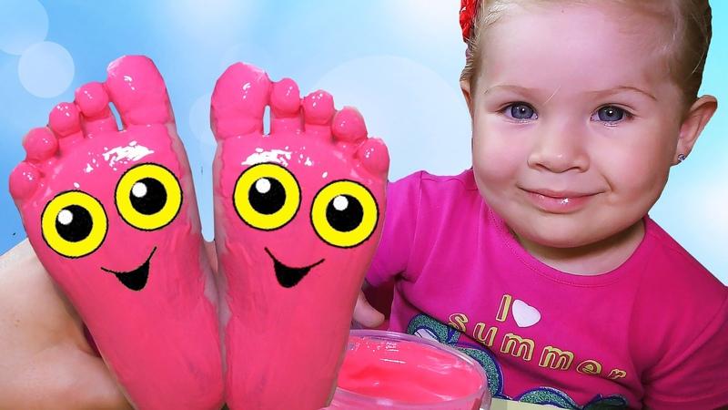 ✿ ДИАНА КРАСИТ НОЖКИ Пальчиковые Краски Для Детей Learn Colors Color Teach Colours Colored paint
