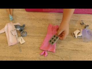 Диана открывает Адвент календарь з Барби и с Одеждой для пяти разных профессий Куклы Барби