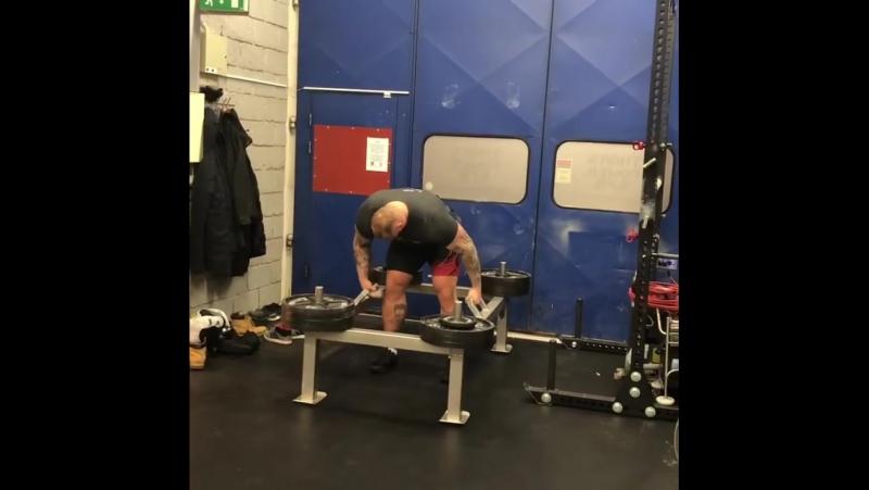 Хафтор Бьёрнсон, колодец 400 кг