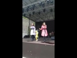 Елизавета и Анна Родины в парке ФИЛИ