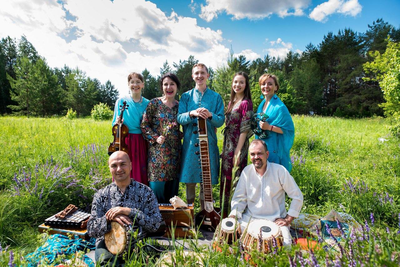 Афиша Ижевск Концерт «ИндиGO» / Выставка «От Инда до Ганга»