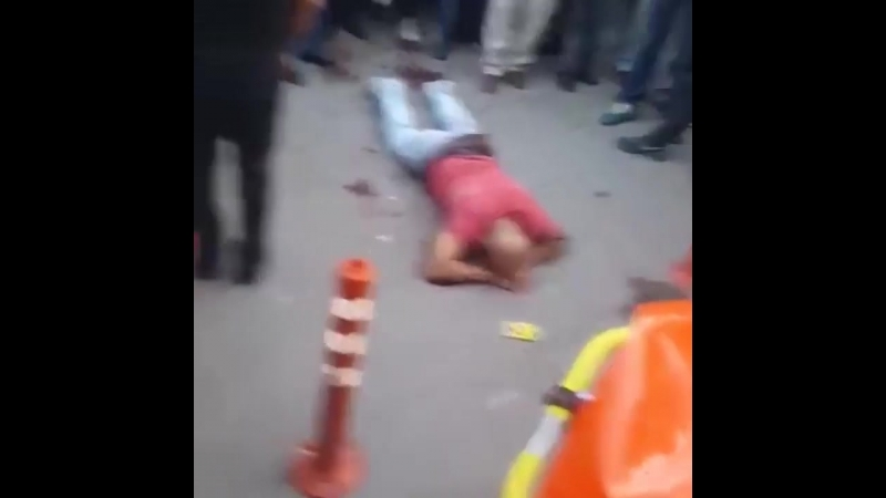 Турок прямо на улице кастрировал педофила, который приставал к его 13-летней дочери