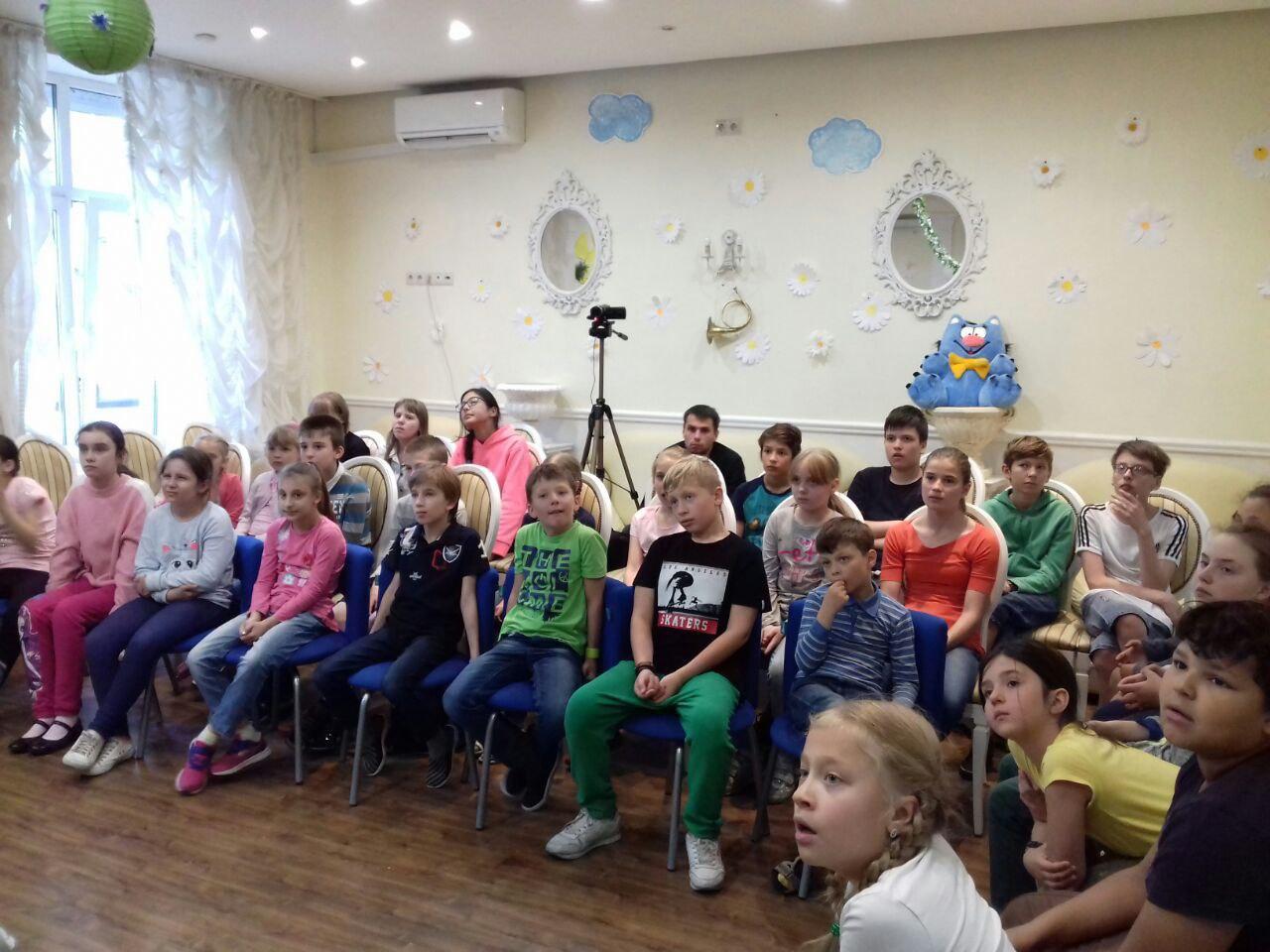Представление ко Дню семьи, любви и верности дали для детей из Савеловского