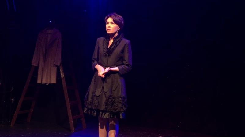 Татьяна Колганова читает стихотворение Ольги Берггольц «Мой дом».