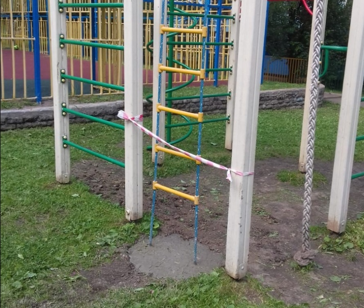 Детская площадка на Угличской вновь стала безопасной