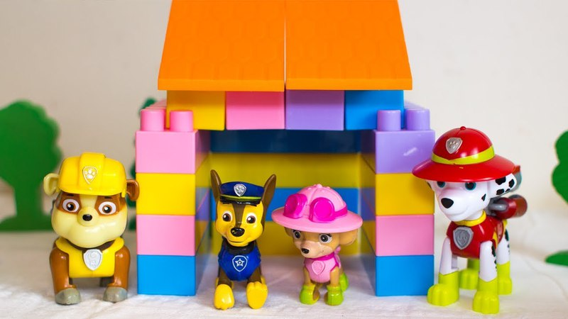 Щенячий Патруль строят новый дом для Скай. Видео для детей с игрушками Щенячий патруль
