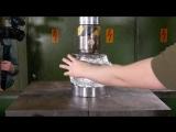 Изготовление сковородки из алюминиевой фольги с гидравлическим прессом