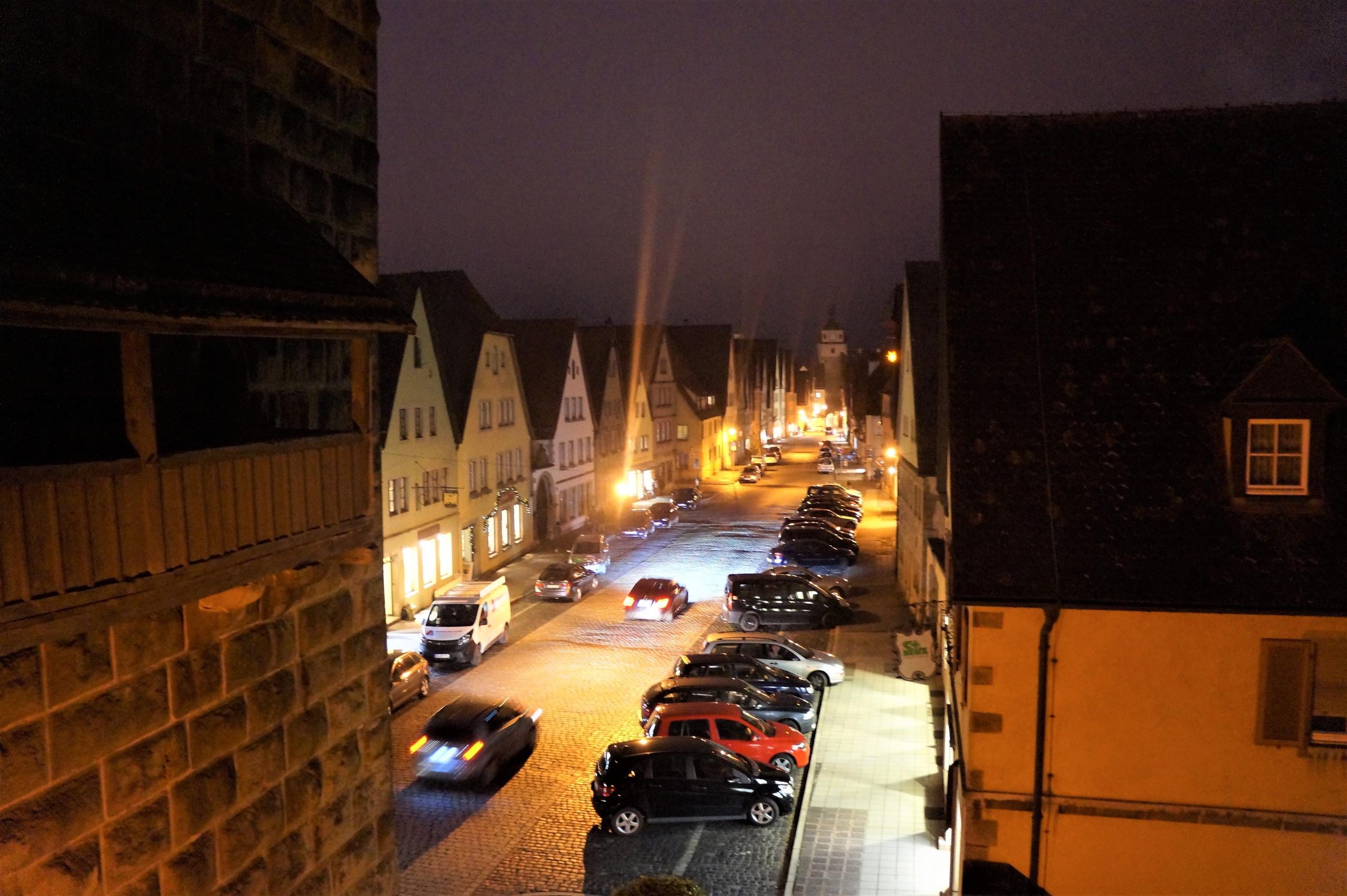 Прогулка по ночному Ротенбургу-на-Таубере города, Святого, Siebersturm, башней, назад, площадью, стеной, Galgentor, когда, город, стене, здание, стену, Ротенбурга, пройтись, Георгия, честь, самым, Stöberleinsturm, находится
