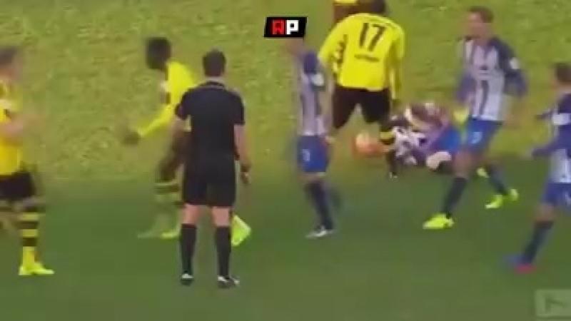 Почему футболисты такие симулянты