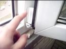 Регулировка прижима нижней петли пластикового окна, Ремонт окон в Ростове-на-Дону, Москитные сетки