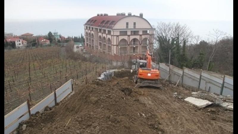 В Крыму застройщики уничтожают виноградники