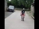Смеркалось - Робот обходит свои владения - - Коньки можно запросто отбросить от страха