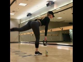 Amanda Lee — BIQLE Видео