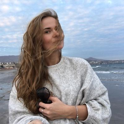 Яна Ипатова