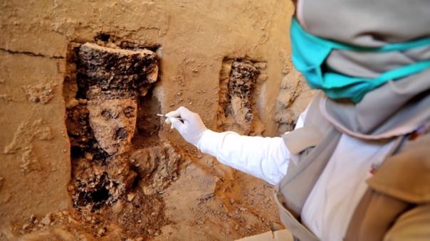 В Перу на руинах объекта Чан Чан, который принадлежит к Всемирному наследию ЮНЕСКО, нашли помещение, заполненное 800-летними черными деревянными статуями. Высота каждой статуи — более 70 сантиметров, каждая из фигур получила свое собственное лицо и характ