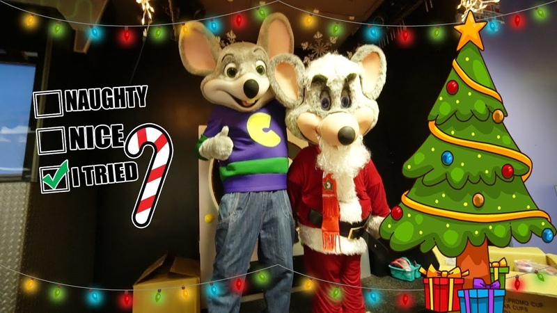 Chuck E Cheese Do The Floss Dance | Merry Christmas