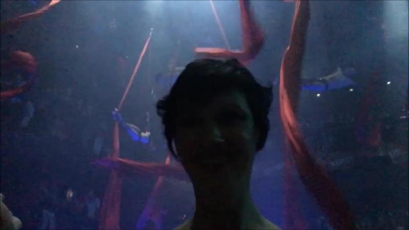 Представление воздушных гимнастов. Ночной клуб Coco Bongo (Коко Бонго). Мексика. Канкун
