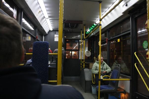 Троллейбус Новосибирска, стартовал, согласно путеводителю, в 1957 году в связи с запуском Новосибирской ГЭС.  В городе большая транспортная проблема, которую не хочется решать популистским властям.