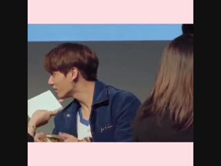 taekook were just so sweet and playful during this fansign, bless dna era.