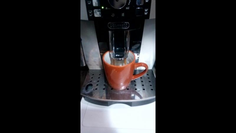 купил себе кофе-машину, но она не едет...