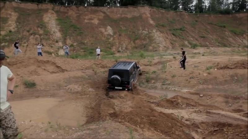 Mercedes Gelandewagen vs jeep Wrangler Rubicon The first defeat. Part 1.mp4