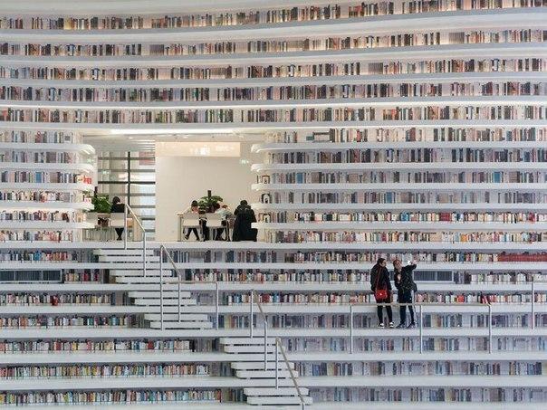 В Китае открылась самая крутая в мире библиотека с 1.