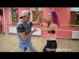 Наконец потанцевала под эту песню,хотя так и не знаю ее название,но она мне очень нравится,как и танец с Дугласом).Breeze Dance