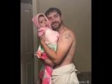 Невероятно милое видео папы с дочкой