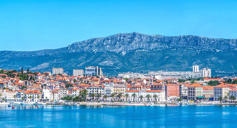 Вид на город со стороны моря