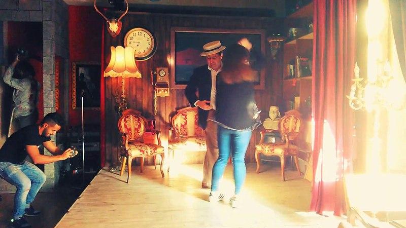 Amiga mía. Ainoa y Yoel bailando Casino en Mallorca