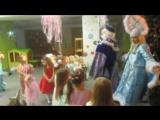 Даришка очень любит Деда Мороза)))Обнимашки)