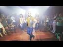 Вау И снова неутомимый Атака танцует под Мамбу по - русски с Алеманой и ее подружкой
