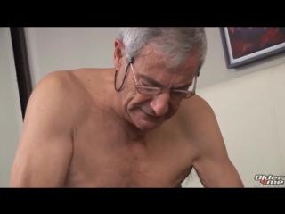 Порно старики уговорили молодых видео 13