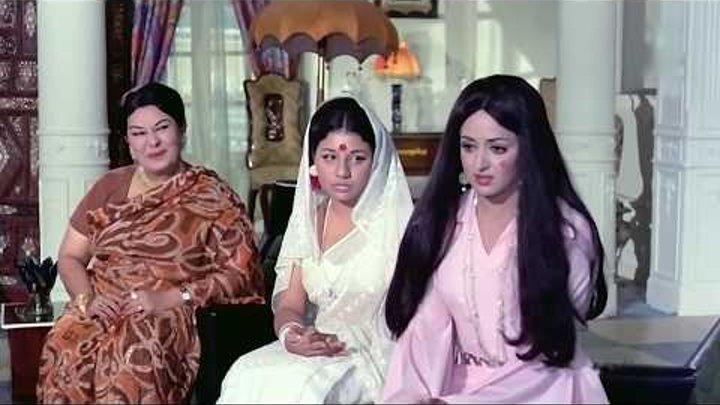 Адвокат значит считает что она скромная и простая! Зита и Гита Seeta Aur Geeta (1972)