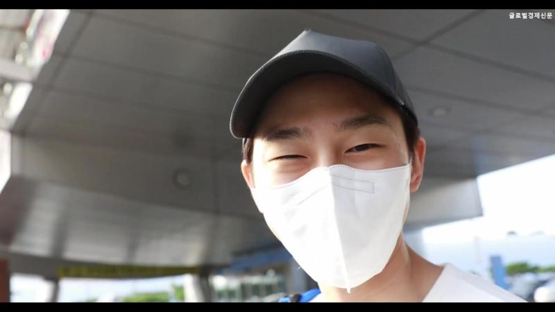 180807 권현빈 '두니아 다녀온 현빈이가 전한 말 팬분들 더위 조심하세요 ' 인천공항 입국