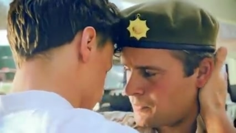 Gay Soldier Homecoming ( 240 X 426 ).mp4