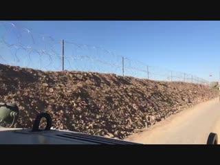 اليوم ١-١١-٢٠١٨ مع السيد قائد عمليات الجزيرة وقائد الفرقة الآلية الثامنة الحدود العراقية - السورية ... عاش ابطال العراق الجيش -