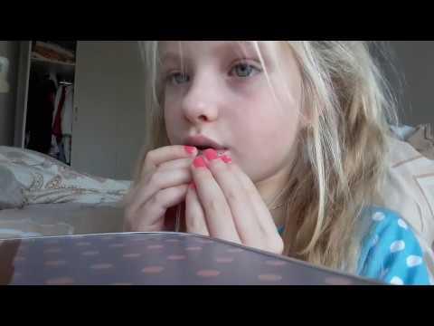 Самая красивая девочка целует микрофон(малолетка,школьница,teen,спалилась,юная,видеочат,omegle,вписка,молодая,pov,sister)