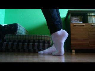 Школьница в белых носочках white socks and teen feet