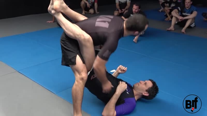 Lachlan Giles - Opening the closed guard part 1_1 Removing the angle and clearing the overhook