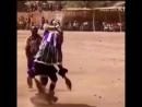 шаман танцует