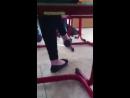 Ножки школьницы в балетках на уроке